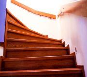 schody betonowe deski drewniane dąb