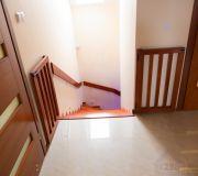 zabezpieczenie schodów przed niebezpieczeństwem dla dzieci