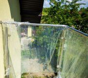 barierka na balkonie szkło zabezpieczone przed hydroizolacją