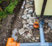 odwodnienie liniowe przed bramą garażową, woda opadowa z podjazdu