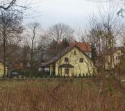 widok na nasz dom z bocznej ulicy