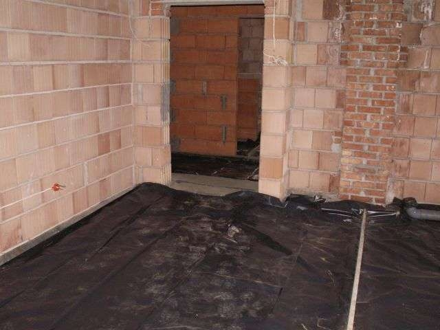 parter hydroizolacja podłogi dysperbitem