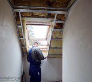 obróbka okna dachowego sufit podwieszany