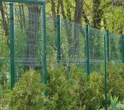 ogrodzenie posesji z paneli zgrzewanych ogrodzeniowych z siatki