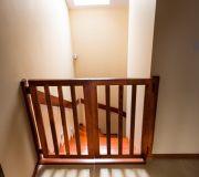 bramka ma schodach bezpieczeństwo dzieci