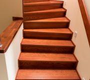 wykończenie schodów betonowych drewnem dębowym