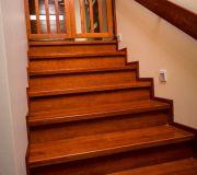 okładzina drewniana schodów betonowych montaż