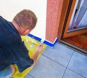 prace wykończeniowe na balkonie