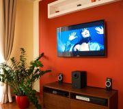 zabudowa telewizora sypialnia poddasze