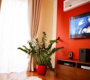 aranżacja ściany z telewizorem, sypialnia zestaw rtv