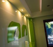 podświetlenie ścian w łazience, aranżacja oświetlenie łazienki