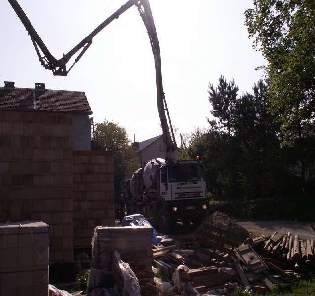 pompa beton wylewanie stropu