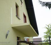 Zdemontowana tymczasowa barierka na balkonie