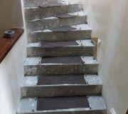 Okładanie schodów betonowych drewnem dębowym