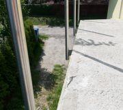 nowoczesna balustrada słupki aluminiowe