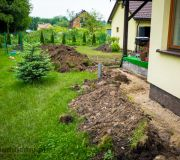 zakopywanie rur od odwodnienia w glebie