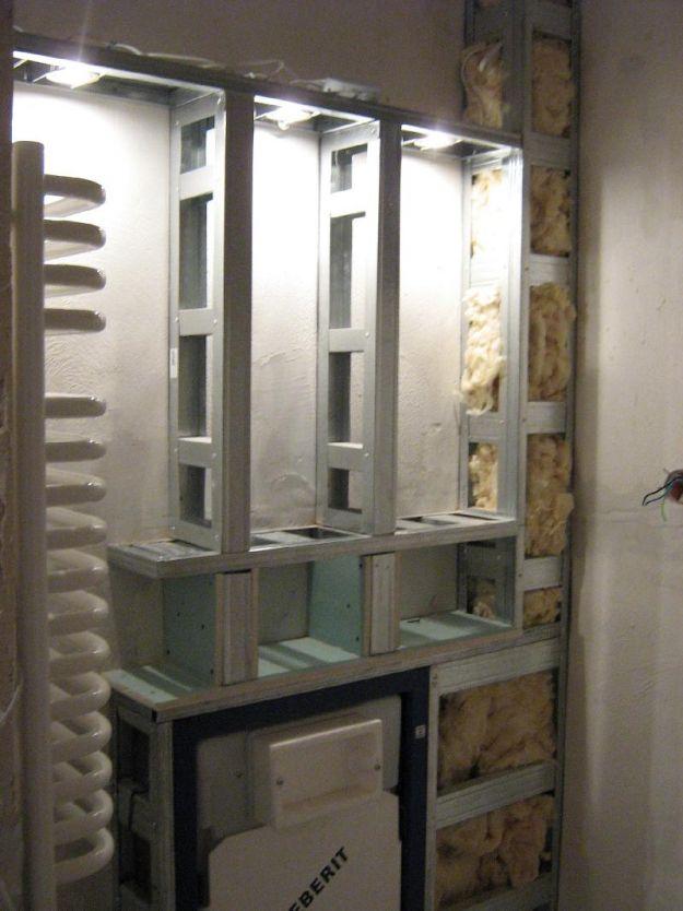 półki z halogenami led oświetlenie nad wc