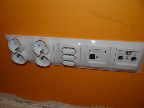 listwa gniazdek elektrycznych tv komputer telefon