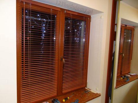 żaluzje drewniane, aluminiowe pod kolor drewnianej stolarki okiennej