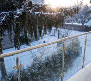 szklana balustrada, szkło, niskie temperatury zima