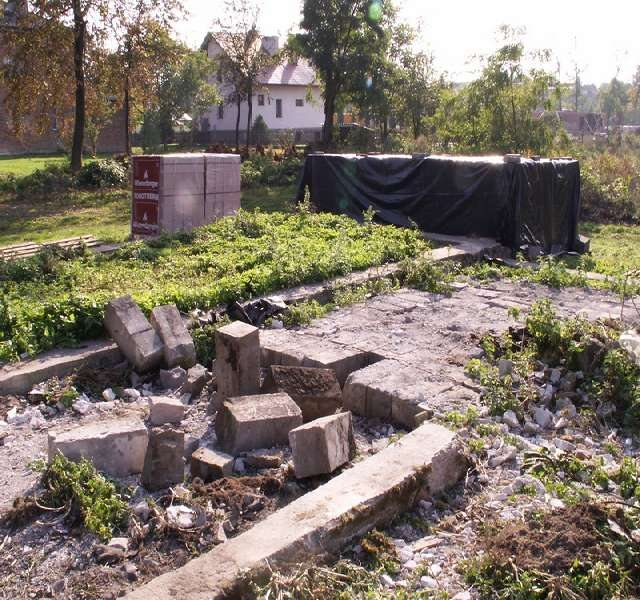 stare fundamenty , do renowacji i adaptacji