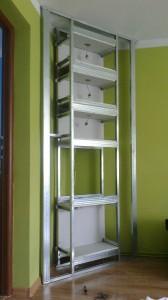 półki narożne ozdobne z oświetleniem