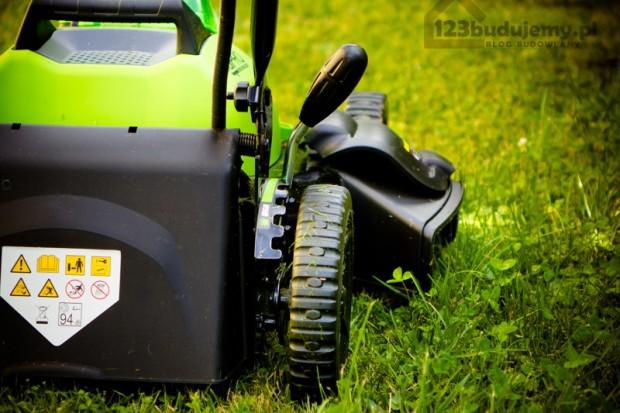 wyrzut boczny ścietej trawy funkcja mielenia