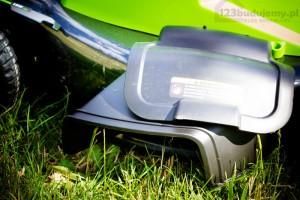 wyrzut boczny zmielonej trawy kosiarka greenworks