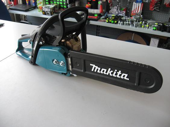 pilarka Makita EA3200S35A