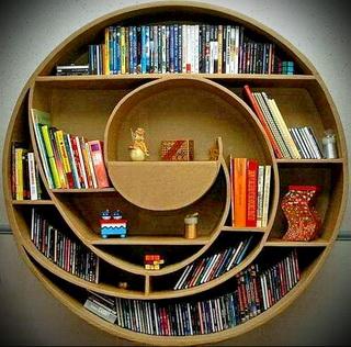 półki na książki w kształcie koła