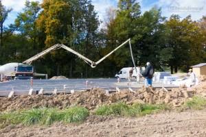 beton podawany przez pompę do betonu