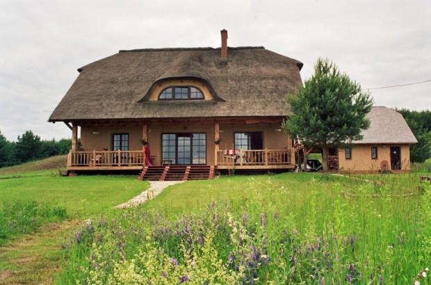 dom z gliny
