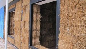 sciana domu z glinoslombeli