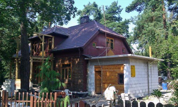 dobudowanie garażu do starego domu