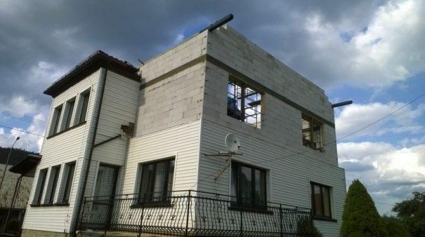 nadbudowa domu na starym parterze
