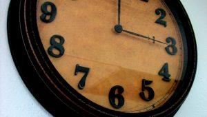 nowoczesny-zegar-scienny-retro