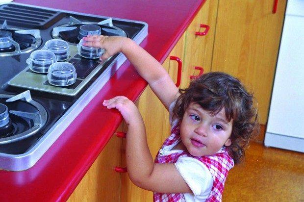 jak zabezpieczyć kuchenkę przed dzieckiem