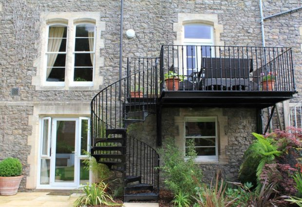 inspiracje balkon ze schodkami