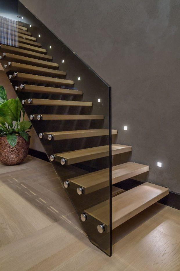 oprawy schodowe