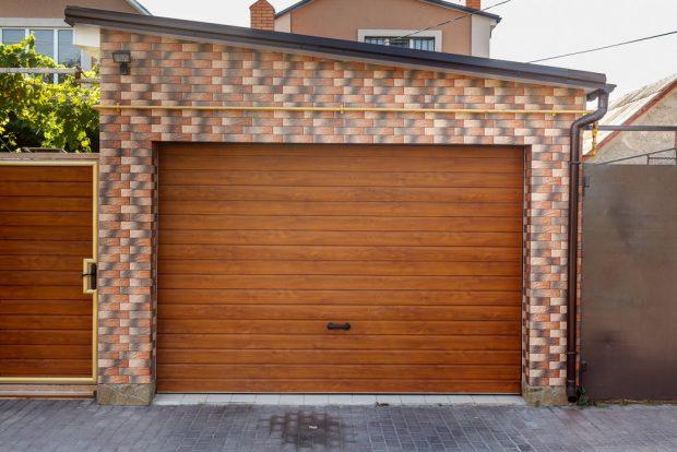 rodzaje bram garażowych czym-sie-różnią i jaka najlepiej wybrać