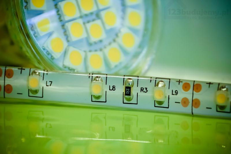 Ledowe Oświetlenie W Formie Elastycznej Taśmy W łazience
