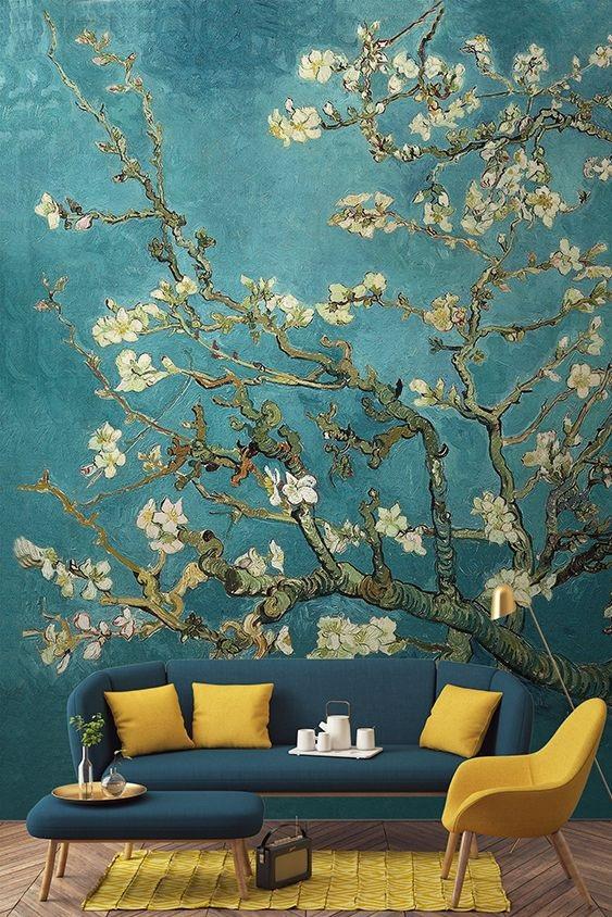 malowidło na ścianie w salonie