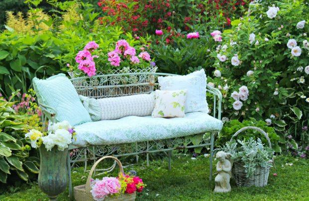 metalowa sofa ogrodowa z poduszką