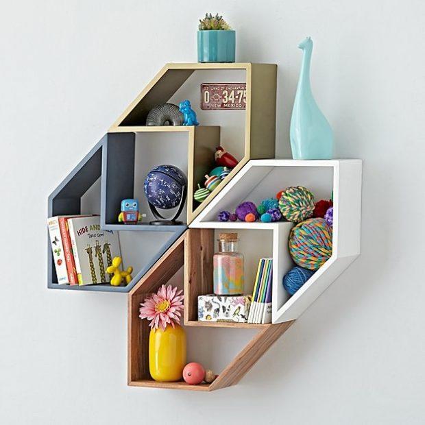 nowoczesne półki w pokoju nastolatka