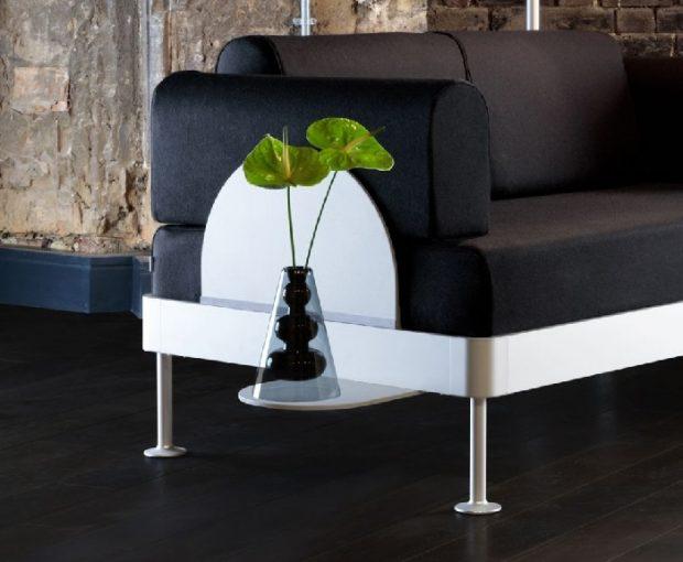 minimalistyczna sofa