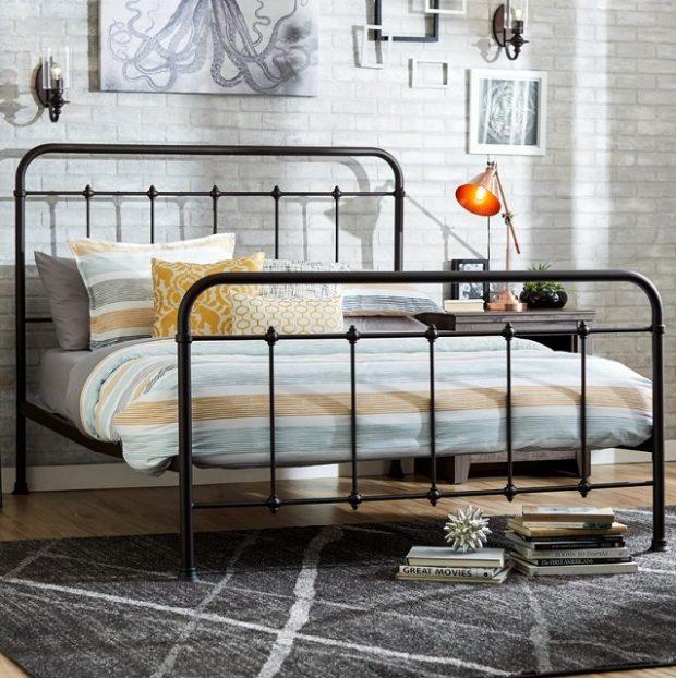 metalowe łóżko dwuosobowe