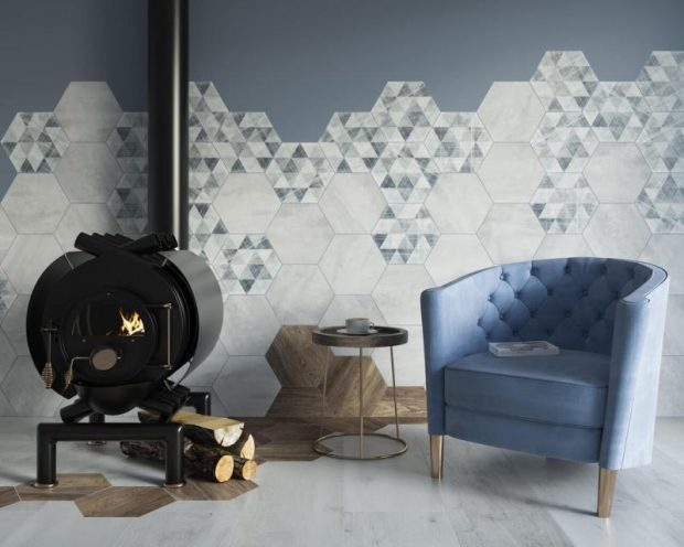 płytki heksagony na ścianie w salonie