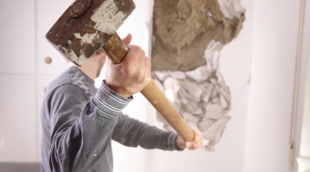 wyburzenie ściany