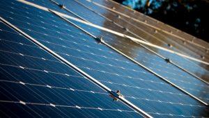 baterie słoneczne sposób na pozyskanie darmowej energii ze słońca