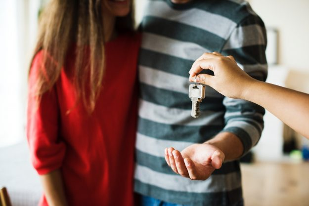 klucze-do-wynajmowanego-mieszkania